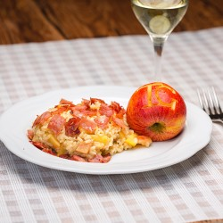 Apfel-Risotto mit Schinken